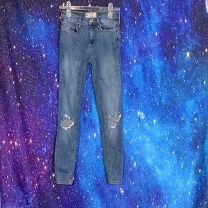 Free People- Skinny Distressed Jeans size 24